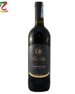 Rượu vang cao cấp Oro Blu Nero d'Avola Terre Siciliane ngọt ngào trong màu đỏ ruby