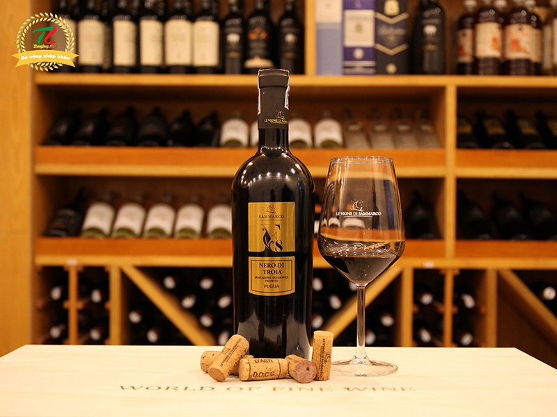 Vang F8 Nero di Troia Puglia thay đổi từ nhận diện tới chất lượng nho khiến giới sành vang thích mê