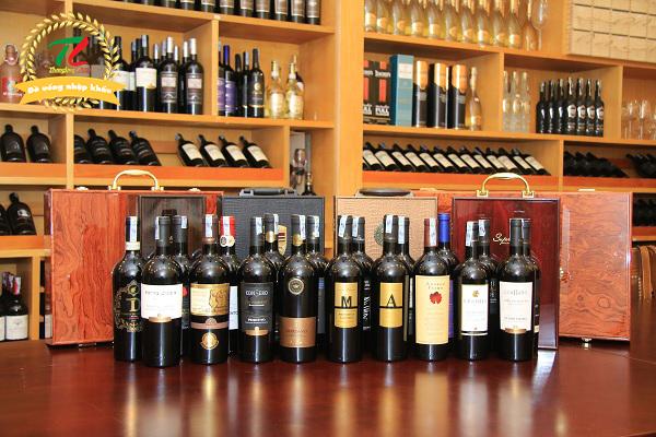 Cách chọn rượu vang làm quà biếu Tết 2021 phù hợp nhất với từng đối tượng người nhận