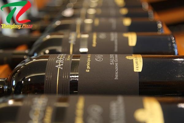 Rượu vang Cầu Giấy – Địa chỉ nào uy tín cho khách hàng yên tâm?