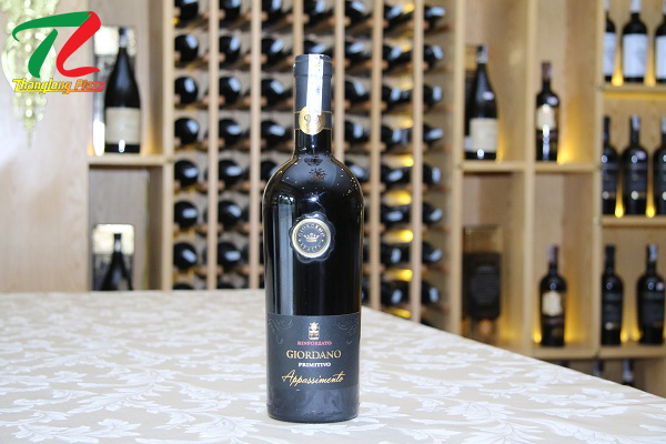 rượu vang Italia tại Hoàng Quốc Việt