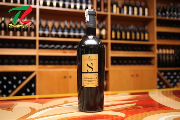 rượu vang S Susumaniello Salento