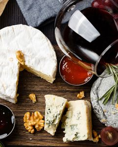 6 tips giúp bạn tạo ra một bữa tiệc rượu vang - phô mai hoàn hảo