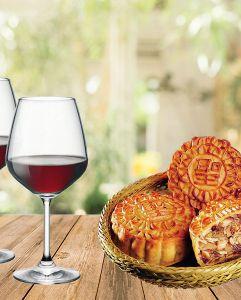 Rượu vang Ý và bánh trung thu - Món quà thân tình trao gửi yêu thương