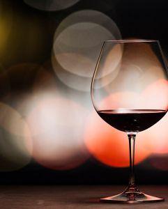Cách chọn ly uống rượu vang phù hợp được khuyên dùng