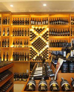 Bí quyết mở cửa hàng rượu ngoại thành công